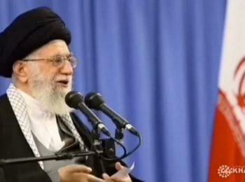 امام خامنه ای: هرکس جمهوری اسلامی را نصرت کند، خدا را نصرت کرده است